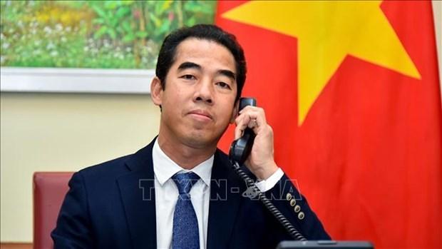 外交部副部长苏英勇与英国外交部亚洲事务国务大臣奈杰尔·亚当斯通电话 hinh anh 1