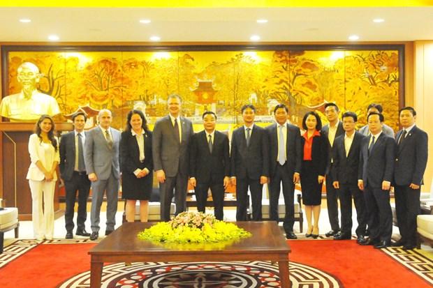河内市人民委员会主席朱玉英会见美国驻越大使和韩国驻越大使 hinh anh 1
