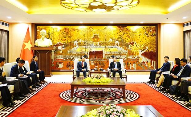 河内市人民委员会主席朱玉英会见美国驻越大使和韩国驻越大使 hinh anh 2