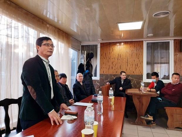 越南驻乌克兰大使阮宏石对乌南部各省进行工作访问 hinh anh 1