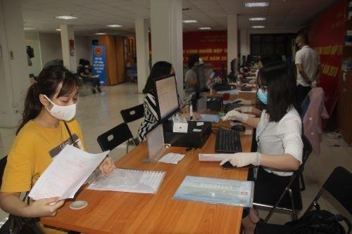2021年第一季度越南财政预算收入超过400万亿越盾 hinh anh 1