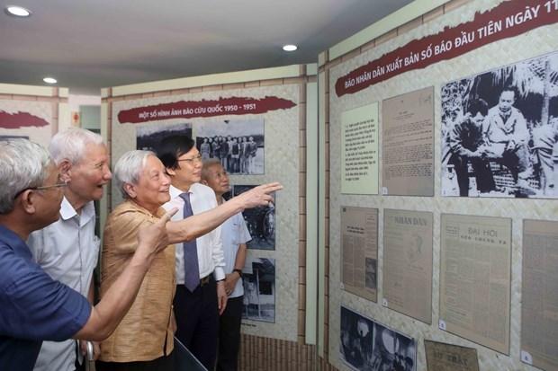 """""""1946-1954年越南新闻:从首都河内到越北战区""""专题展览会在河内开展 hinh anh 2"""