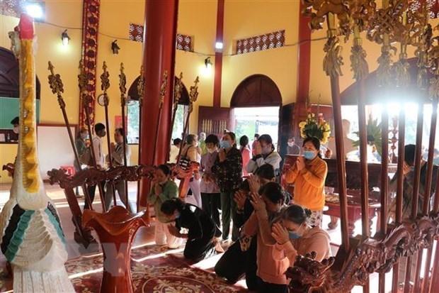 越南一贯尊重和保障人民群众的宗教信仰自由权 hinh anh 1