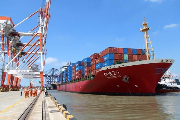 巴地头顿省盖梅布市深水港迎接中联航运的第一艘货船 hinh anh 1