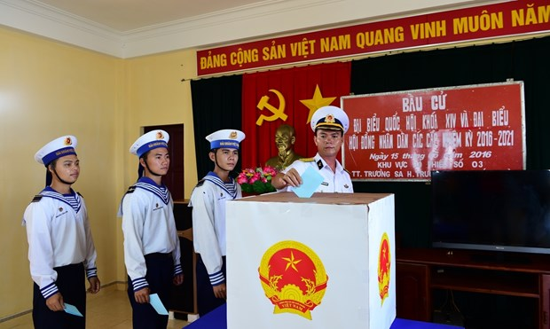 庆和省长沙岛县部分投票站将提前投票 hinh anh 1
