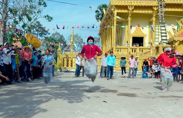 南部地区高棉族丰富多样的文化旅游产品 hinh anh 3
