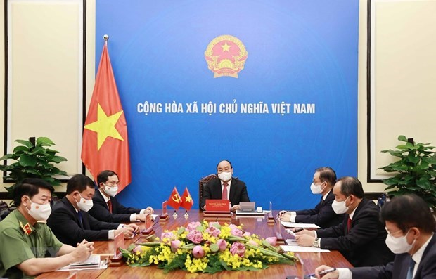 越南国家主席阮春福与中共中央总书记、国家主席习近平通电话 hinh anh 1