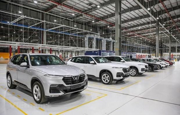 新冠肺炎疫情致使越南8月份汽车销量下降45% 创下2015年以来新低 hinh anh 1