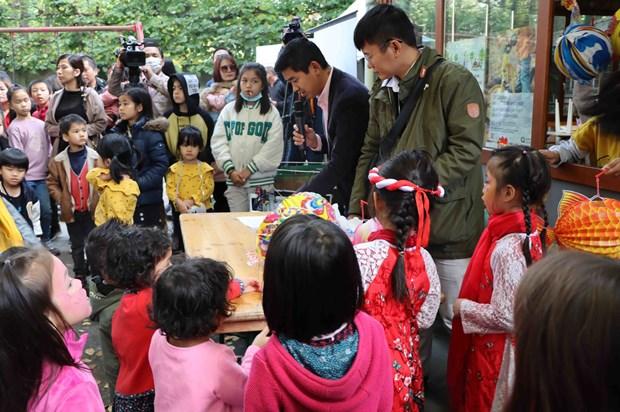 在比利时举行越南家庭日:为旅比越南人带来快乐和温暖 hinh anh 1