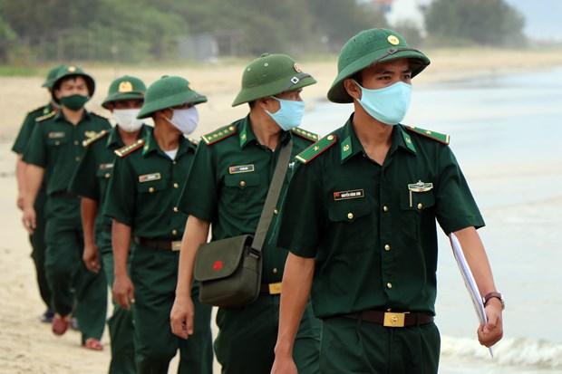 Bo doi Bien phong Thua Thien - Hue tang cuong tuan tra, tuyen truyen phong, chong dich COVID-19 hinh anh 1