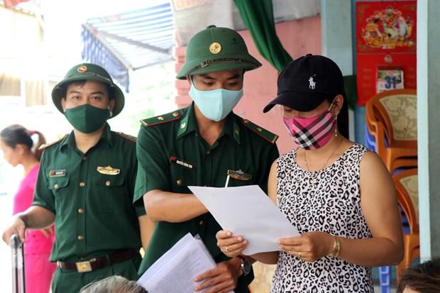 Bo doi Bien phong Thua Thien - Hue tang cuong tuan tra, tuyen truyen phong, chong dich COVID-19 hinh anh 2