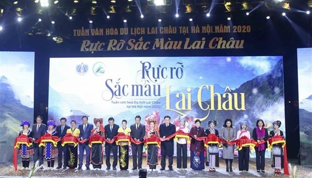 "Ngay hoi ""Ruc ro sac mau Lai Chau"" dien ra tai Ha Noi hinh anh 1"