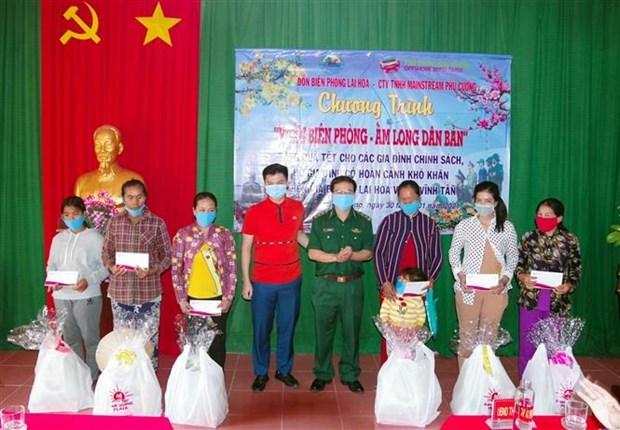 Bo doi Bien phong Soc Trang giup dan xay dung cuoc song am no hinh anh 1
