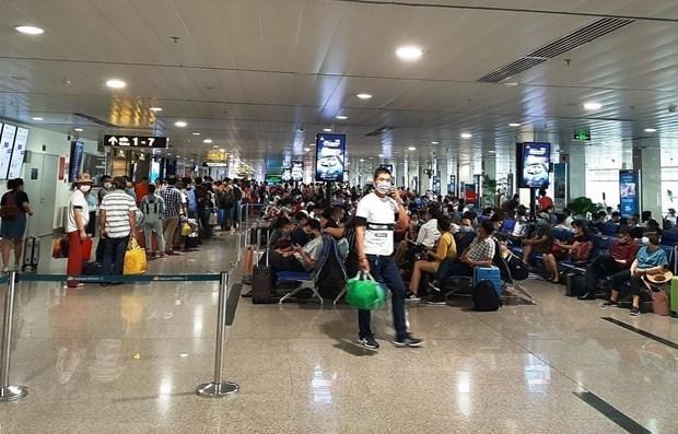 越航要求乘客乘坐国内航班之前必须在网上填写健康申报表 hinh anh 1