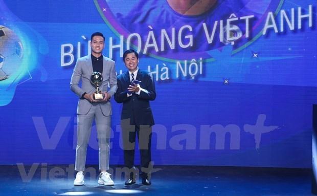 阮文决和黄茹获得2020年越南金球奖 hinh anh 3