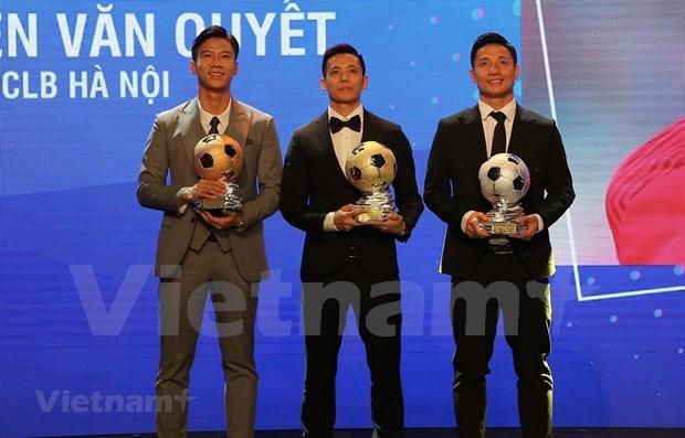 阮文决和黄茹获得2020年越南金球奖 hinh anh 1