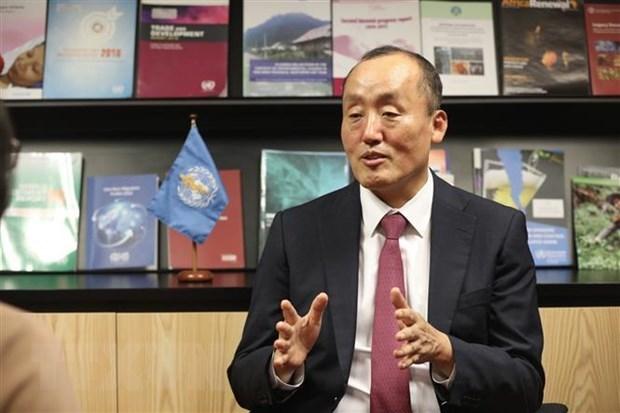 世卫组织驻越首席代表称赞越南新冠肺炎疫情防控阻击战的成果 hinh anh 1