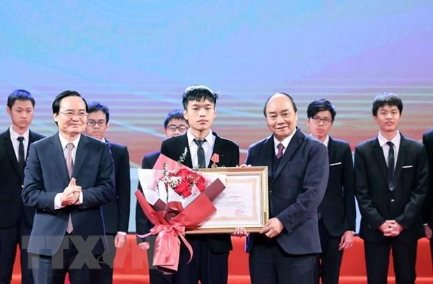 2020年越南优秀青年奖和展望奖20名获奖者名单出炉 hinh anh 1