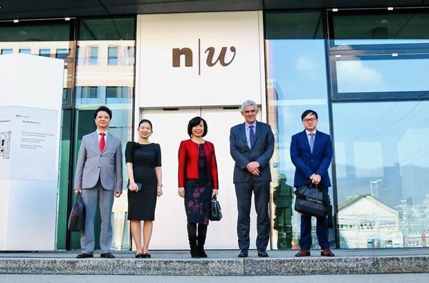越南驻瑞士大使馆与瑞士西北应用科学与艺术大学加强合作关系 hinh anh 1
