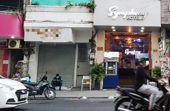 胡志明市对组织外国人非法居留越南案件进行起诉 hinh anh 1
