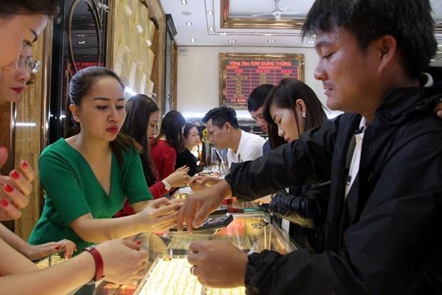 今日上午越南国内市场黄金价格保持在每两5500万越盾以上 hinh anh 1