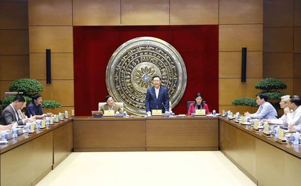 国会主席王廷惠:司法委员会应充分发挥在国会运作中的核心作用 hinh anh 1