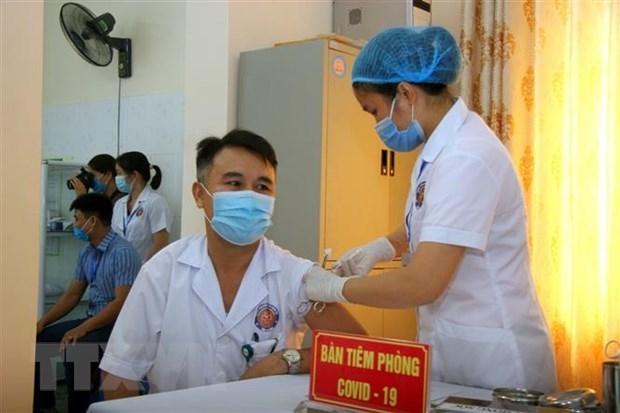 越南政府总理范明政:决不得掉以轻心 提高健康意识 hinh anh 1