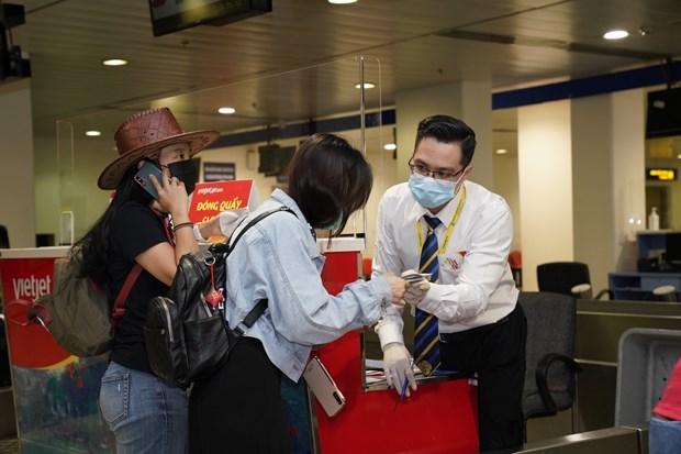 """越捷推出""""安全飞行""""保险服务 在疫情中全面保护乘客 hinh anh 2"""