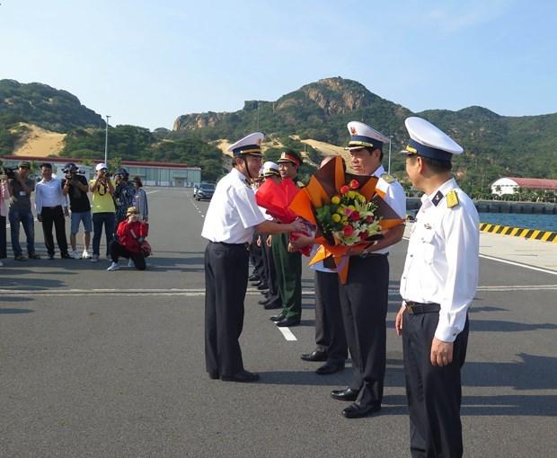 第四工作组到长沙岛县看望慰问驻岛军民 hinh anh 2