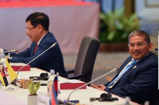 东盟各国特使赴缅甸与军方领导人会面 hinh anh 1