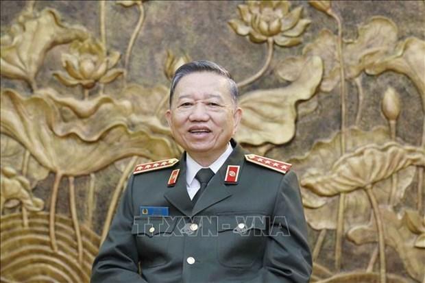 苏林大将:着力弘扬英雄传统精神 出色完成各项工作任务 hinh anh 2