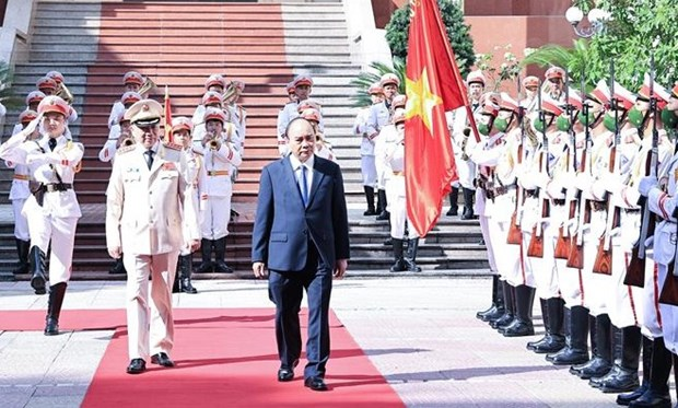 国家主席阮春福出席人民安全力量传统日75周年纪念典礼 hinh anh 1