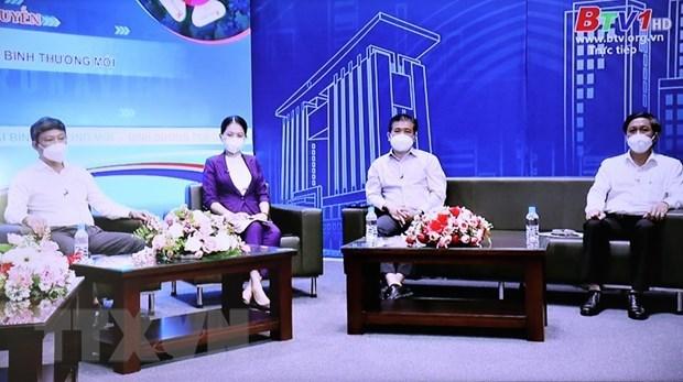 平阳省人民委员会主席武文明强调:生活进入新常态 但要确保防疫安全 hinh anh 2