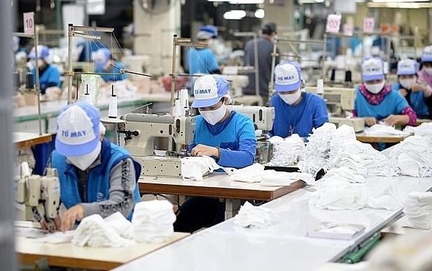 越南第十五届国会常委会第三次会议:为受疫情影响的企业和民众减免税收,助力克服困难 hinh anh 1