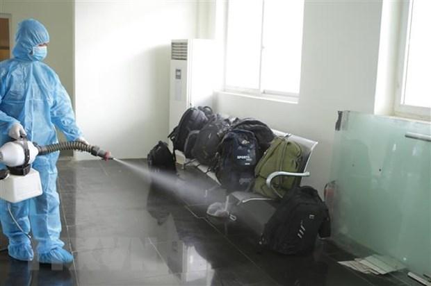 越南政府总理:暂停执行从出现新冠病毒新变种的国家和地区飞往越南的航班 hinh anh 1
