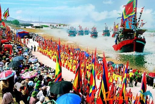 岘港市努力在疫情中安全举办庙会 hinh anh 1