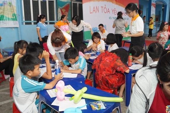挪威和联合国人口基金承诺继续协助越南解决性别选择问题 hinh anh 1