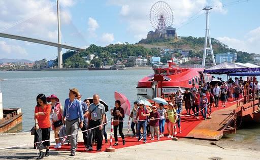 广宁省计划4·30和5·1假期接待55万人次游客 hinh anh 1