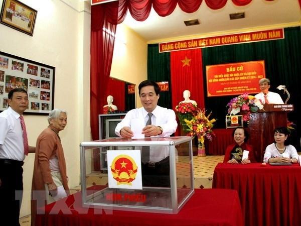 国会代表选举:推荐优秀候选人供选民选择 hinh anh 2