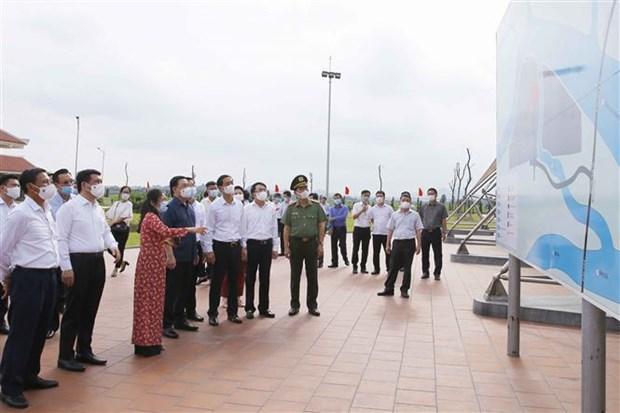 越南国会主席王廷惠出席10号公路海防路段升级改造项目动工仪式 hinh anh 2