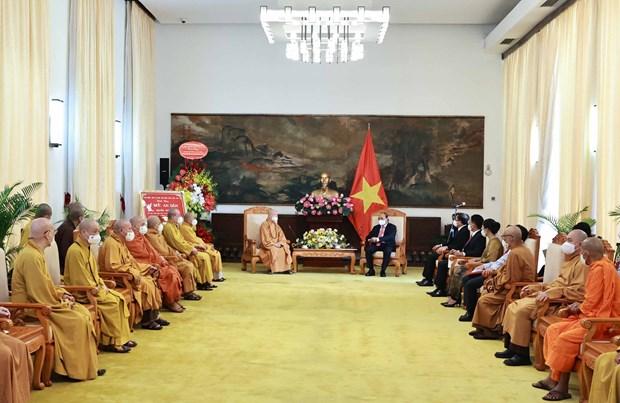 国家主席阮春福会见越南佛教协会领导代表团 hinh anh 1