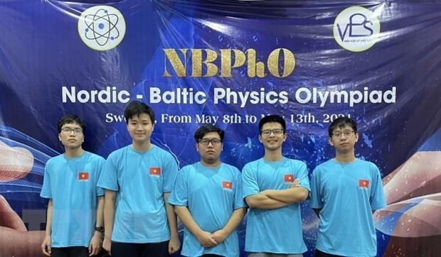 河内市学生在北欧-波罗的海物理奥林匹克竞赛中获得一金两银一铜 hinh anh 1