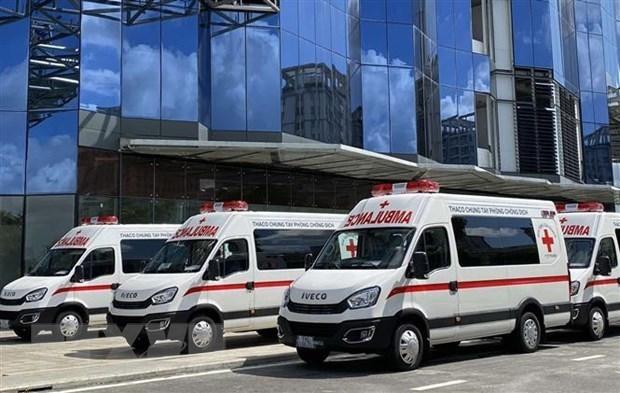新冠肺炎疫情:长海汽车股份公司向胡志明市捐赠救护车和移动疫苗接种车 hinh anh 1