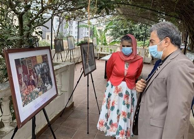 武元甲大将诞辰110周年:通过在阿尔及利亚的历史资料图片展展现国际友人的敬仰之情 hinh anh 2