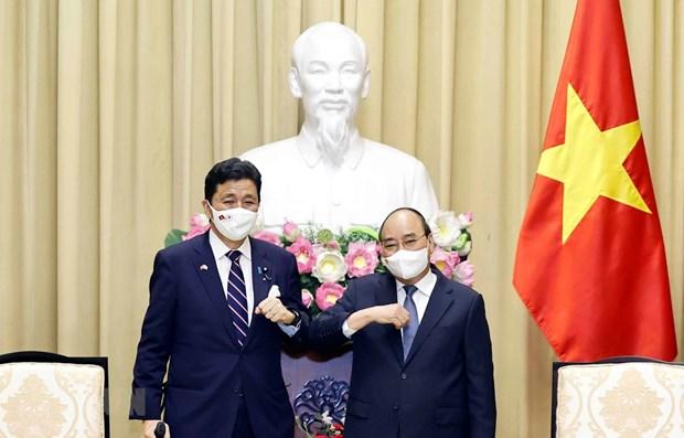 越南国家主席阮春福会见日本防卫大臣岸信夫 hinh anh 1