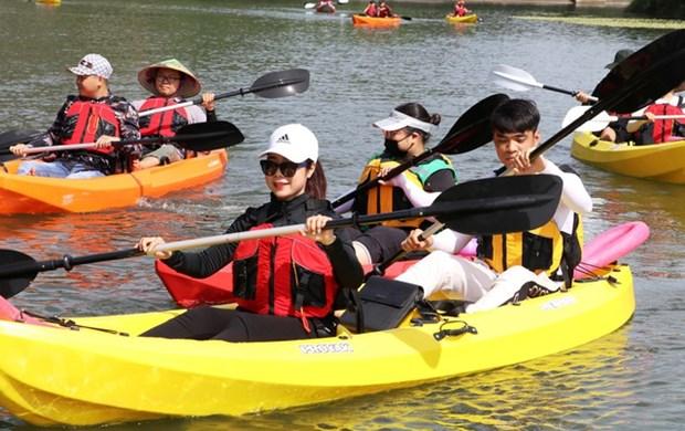 越南旅游:划皮划艇探索长安世界遗产之美 hinh anh 1