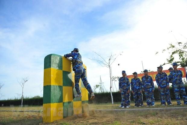 越南海军力量努力训练 打造钢铁般战士 hinh anh 1