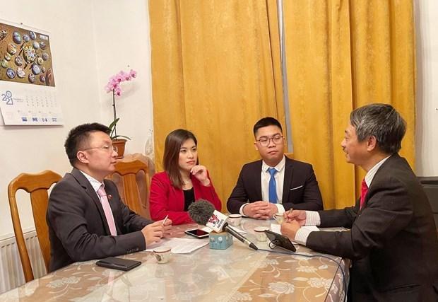 越共十三大:旅居捷克越南青年希望为国家建设事业献力 hinh anh 1