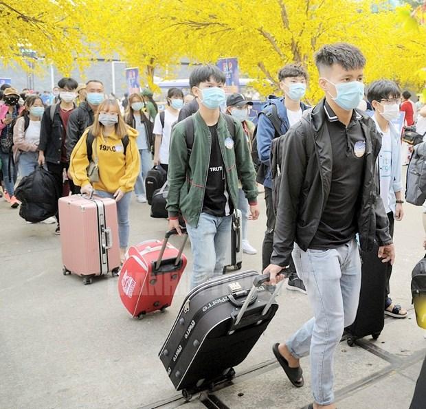 胡志明市为贫困大学生、劳动者举行将春节带回家活动 hinh anh 2