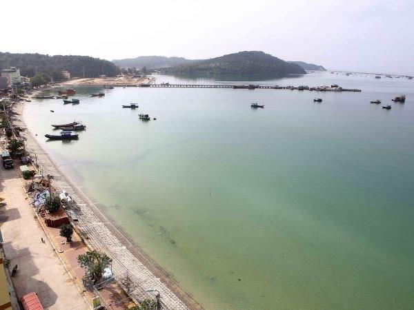 越南东北海上的一块碧玉——姑苏岛 hinh anh 1